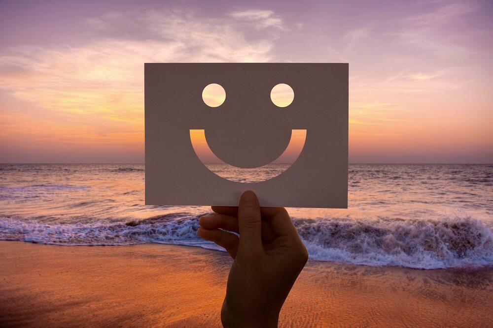 """""""אלוהים נמצא בפרטים הקטנים"""": על תעדוף, בחירות ומדד האושר"""
